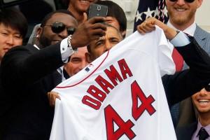 0402-Ortiz-Obama-selfie_full_600