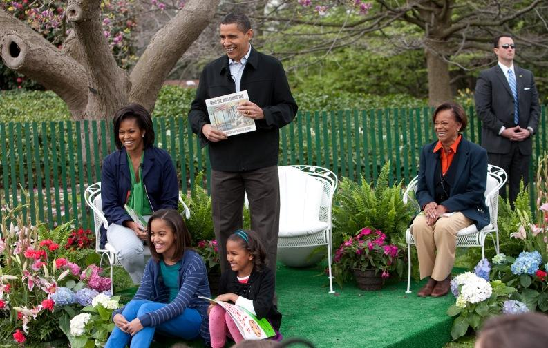 Obamas_at_White_House_Easter_Egg_Roll_4-13-09_1 (1)